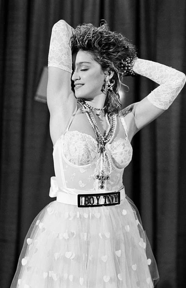 madonna w sukience