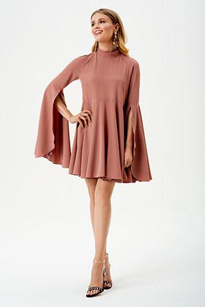 sukienka na komunie z rękawami