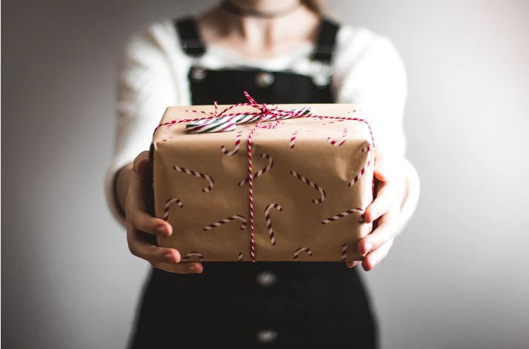 prezent świąteczny dla niego